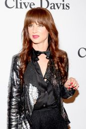 Juliette Lewis – 2016 Pre-GRAMMY Gala in Beverly Hills