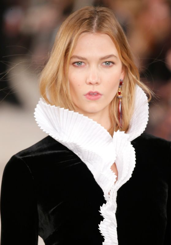 Karlie Kloss - Ralph Lauren Show - New York Fashion Week 2/18/2016