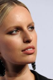 Karolina Kurkova – 2016 amfAR New York Gala in New York City, NY