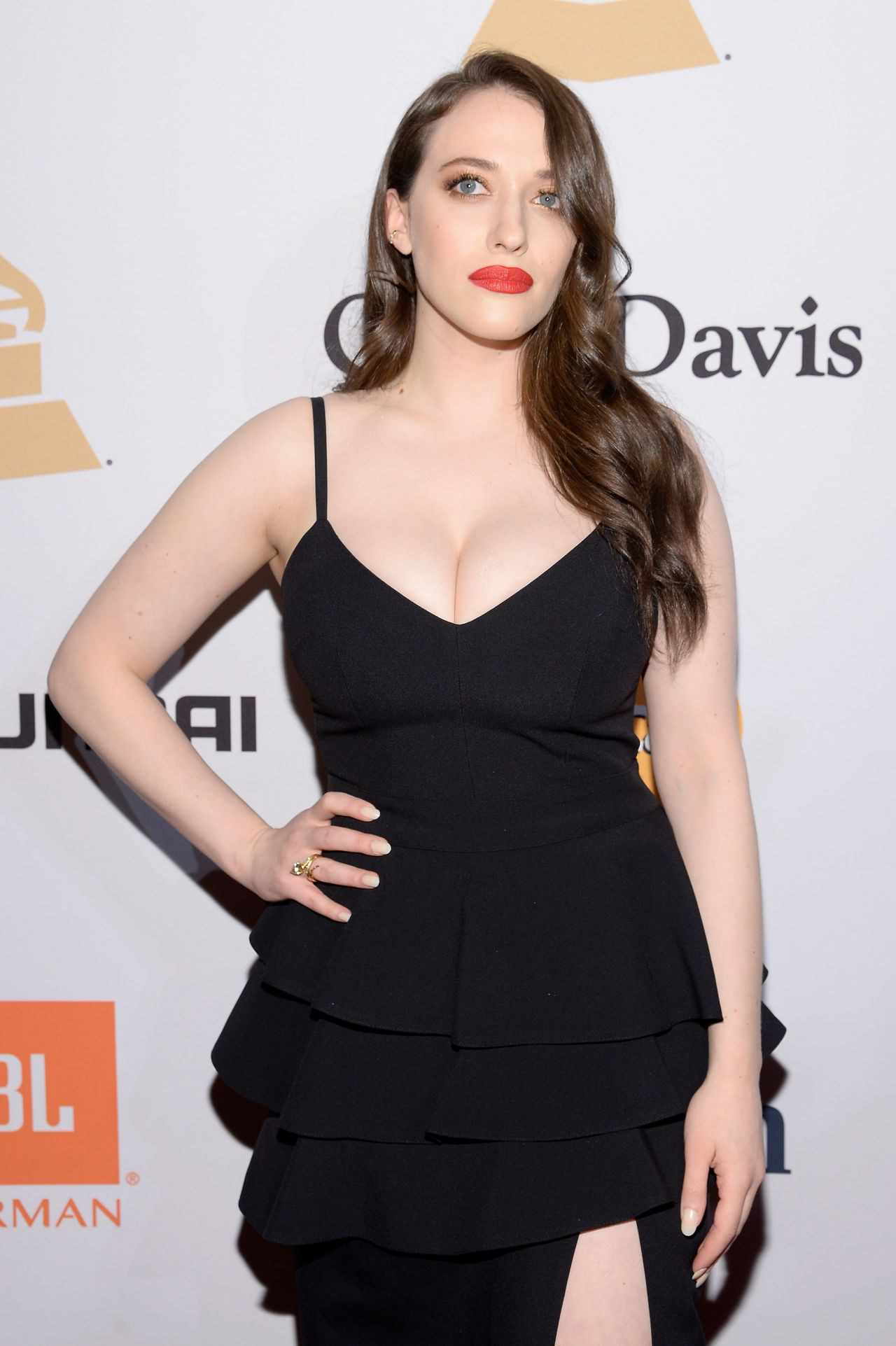 Kat Dennings Latest Photos Celebmafia