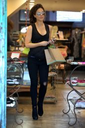 Kate Beckinsale - Shopping in Santa Monica, February 2016