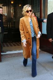 Kate Hudson Street Style - Leaving Her Hotel in New York City, NY 2/19/2016