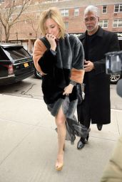 Kate Hudson Style - Returning to Her Hotel in New York City, NY 2/17/2016