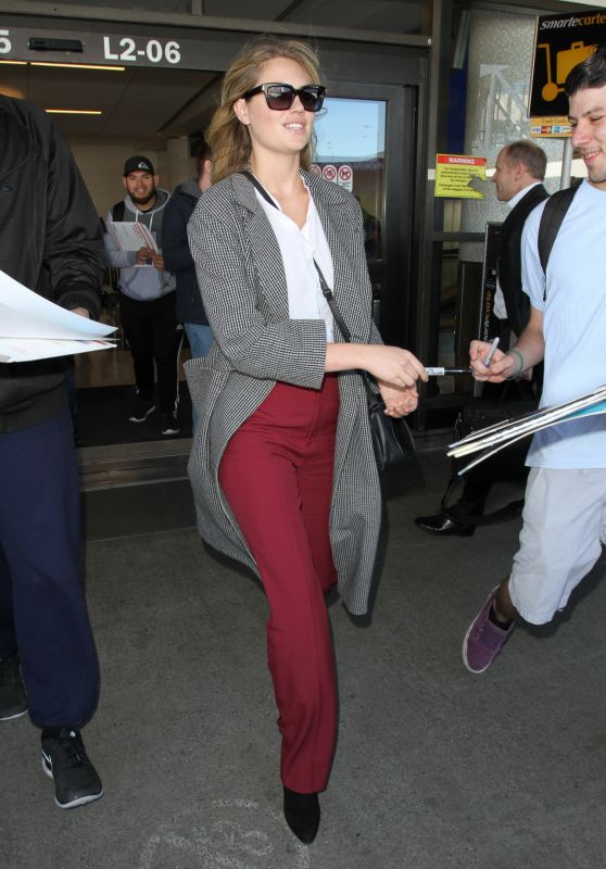 Kate Upton Airport Style - LAX in Los Angeles, CA 2/01/2016