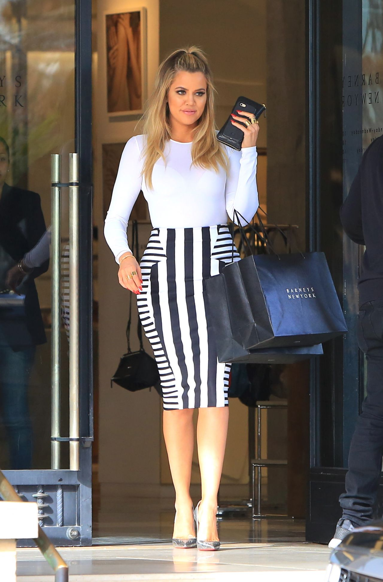 Khloe Kardashian Style - Shopping in Beverly Hills, CA 2 ...