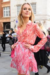 Kimberley Garner - Felder Show - London Fashion Week 2/19/2016