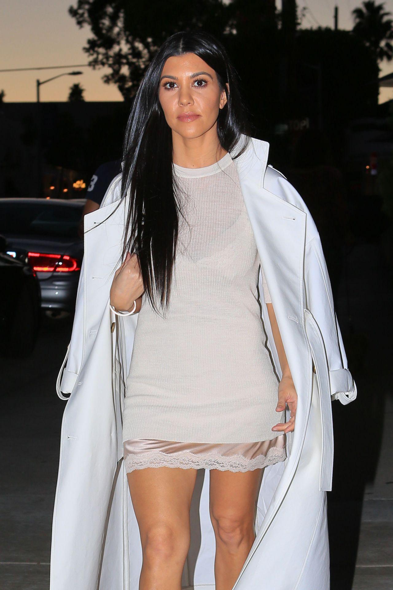 Kourtney Kardashian Style Out In Los Angeles Ca 2 24 2016