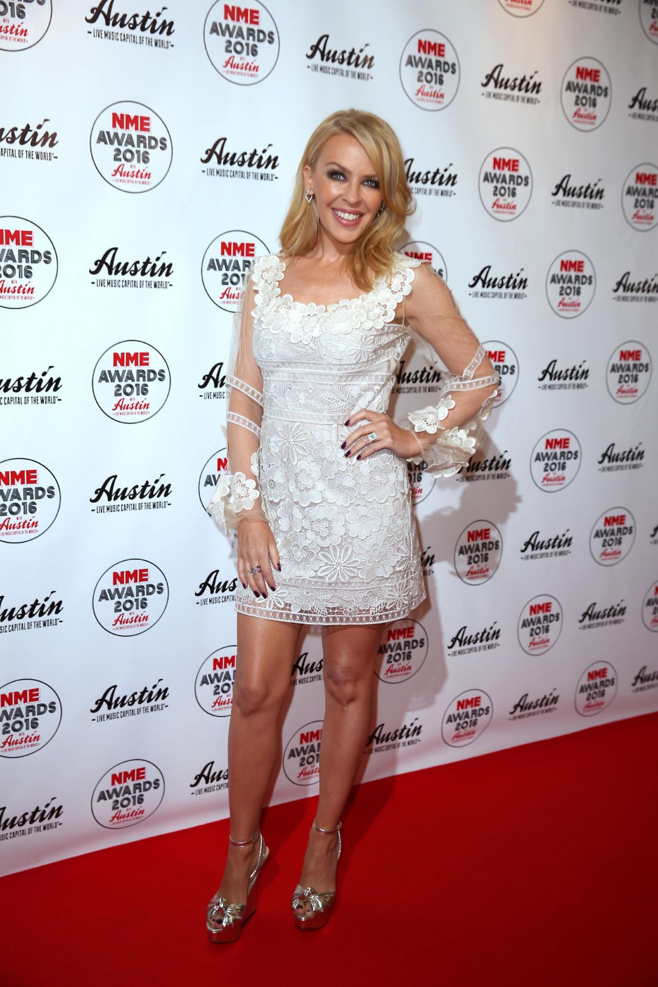 kylie-minogue-2016-nme-music-awards-in-l