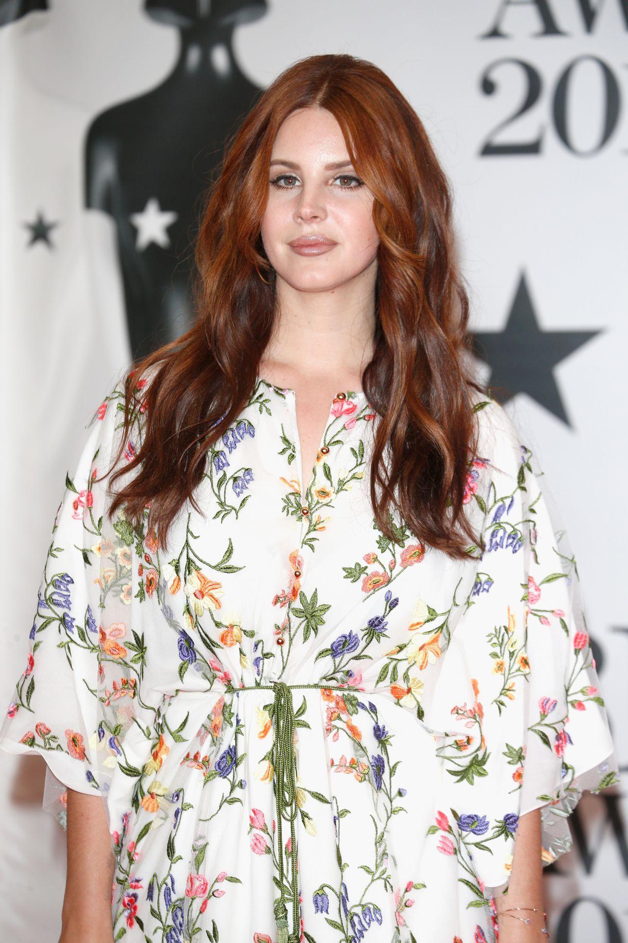 Lana Del Rey Brit Awards 2016 In London Uk