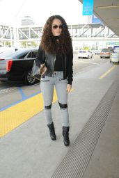 Madison Pettis Ca0sual Style - LAX Airport in Los Angeles 1/30/2016