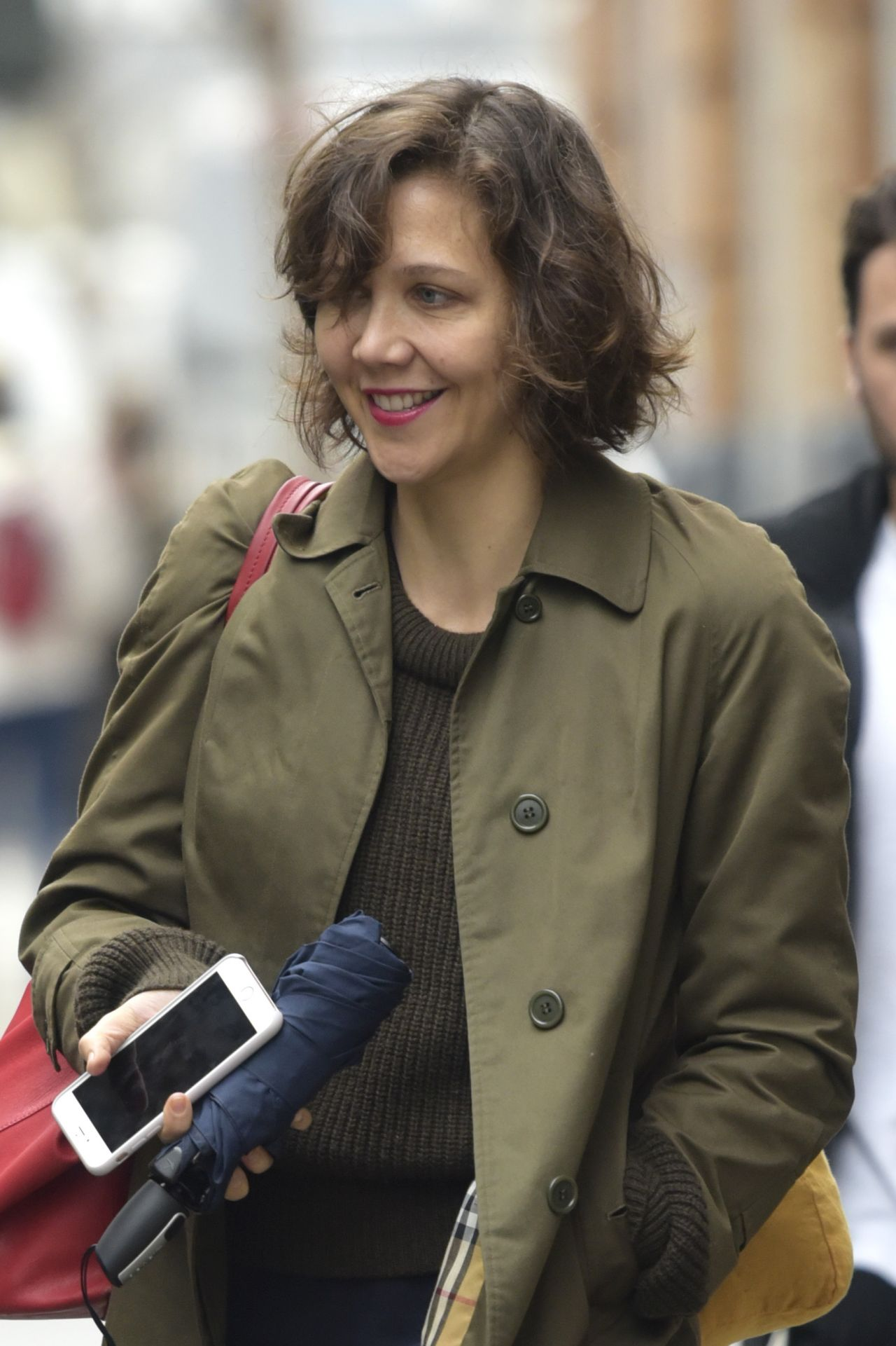 Maggie Gyllenhaal on the Set of 'Inside Amy Schumer' in ... Maggie Gyllenhaal