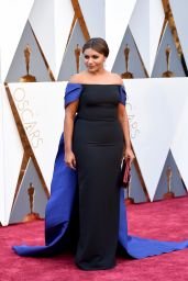 Mindy Kaling – Oscars 2016 in Hollywood, CA 2/28/2016