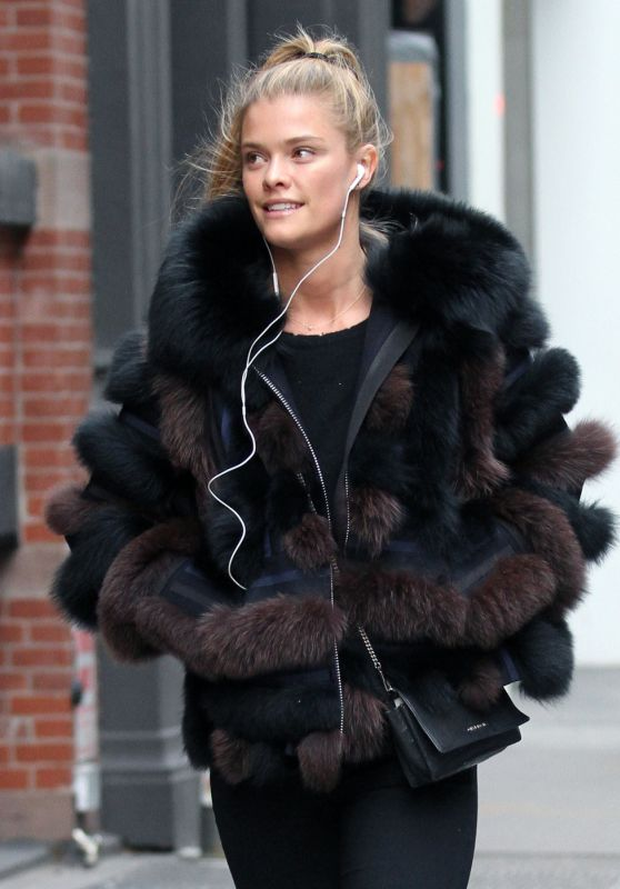 Nina Agdal Street Fashion - Shopping in Soho, Manhattan, 2/9/2016