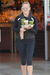 Reese Witherspoon in Leggings - Getting Coffee in Los Angeles 2/20/2016