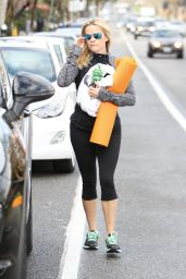 Reese Witherspoon in Leggings - Leaving Yoga Class in Brentwood 2/18/2016