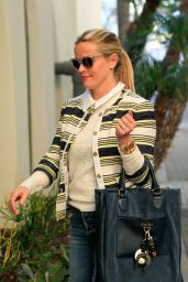 Reese Witherspoon With a Draper James Handbag - Los Angeles 2/4/2016