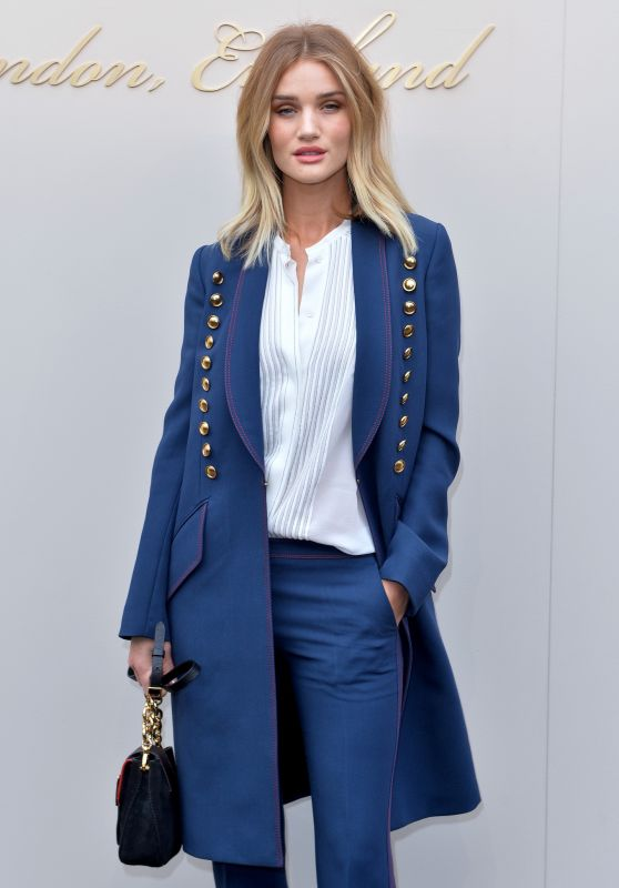 Rosie Huntington-Whiteley - Burberry Fashion Show in London 2/22/2016