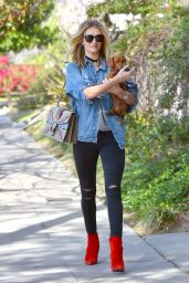Rosie Huntington Whiteley Casual Style - Out in Beverly Hills, 2/17/2016