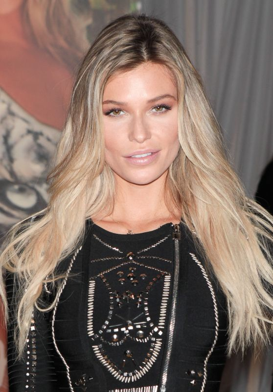 Samantha Hoopes - SI Swimsuit 2016′s Swim City Celebration in New York City