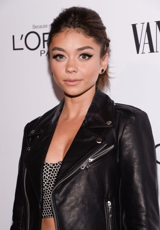 Sarah Hyland – Vanity Fair, L'Oreal Paris and Hailee Steinfeld Host DJ Night in Hollywood, CA 2/26/2016