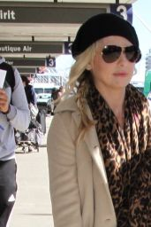Sarah Michelle Gellar at LAX  Airport in Los Angeles 1/2/2016