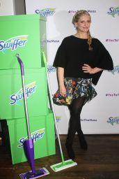 Sarah Michelle Gellar - Swiffer