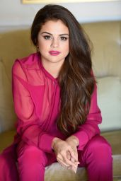 Selena Gomez Tapes an Appearance on SiriusXM Studios in Los Angeles 2/12/2016