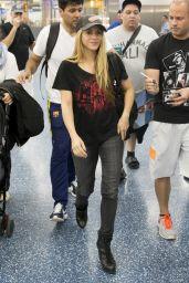 Shakira - Miami Airport, February 2016