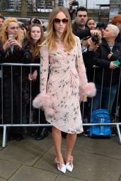 Suki Waterhouse - Topshop Unique Show - London Fashion Week 2/21/2016