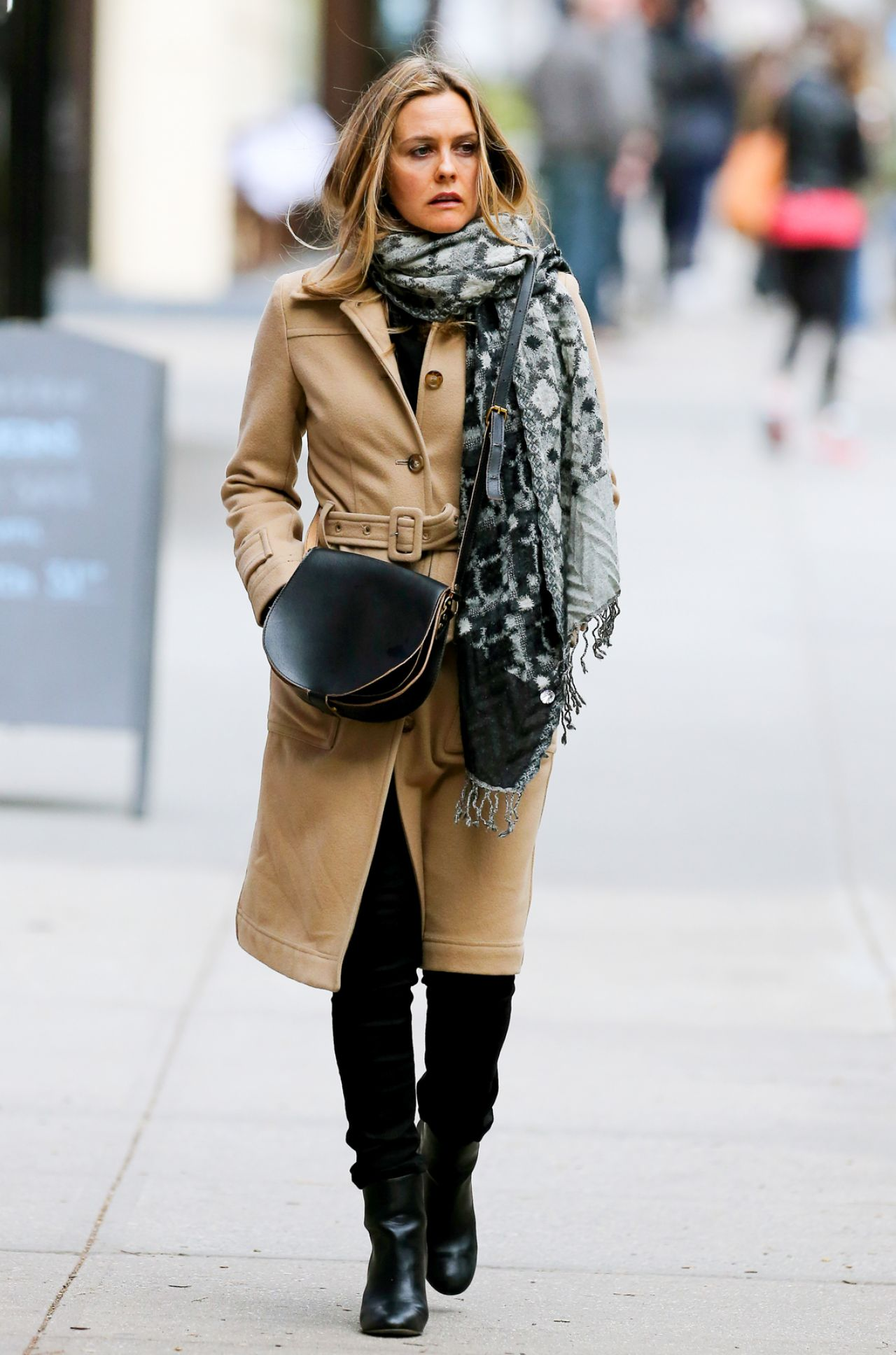 Alicia Silverstone Style Out In New York City Ny March 2016