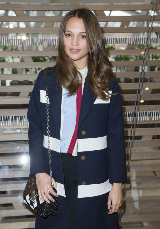 Alicia Vikander - Louis Vuitton Fashion Show in Paris 3/9/2016