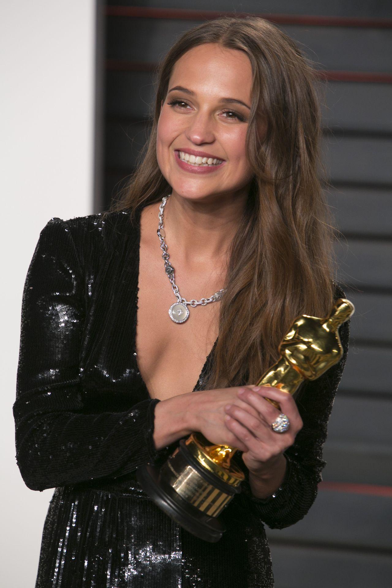 Alicia Vikander – Vanity Fair Oscar 2016 Party in Beverly Hills, CA