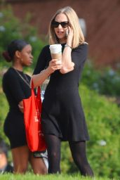Amanda Seyfried on the Set of