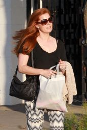 Amy Adams Looks Naturally Beautiful For a Shopping Trip at Express in Beverly Hills 3/18/2016