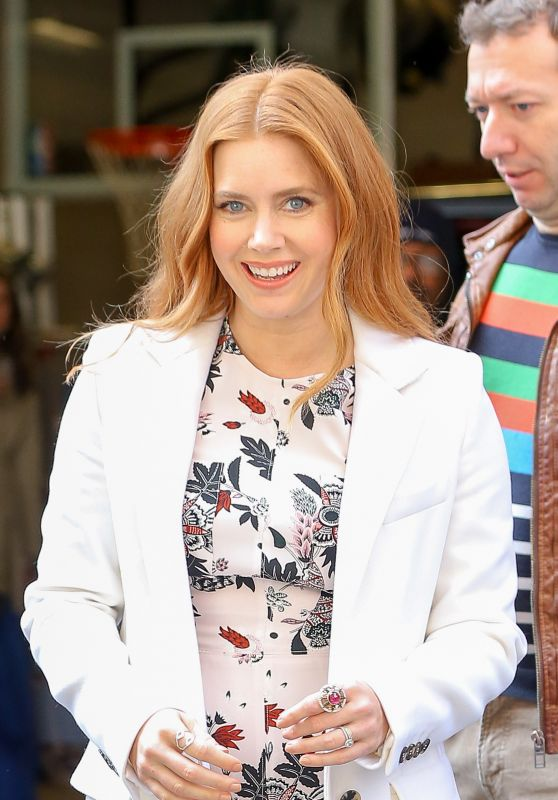 Amy Adams Style - Visits Live! with Kelly and Michael in New York City 3/24/2016