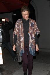Amy Smart - Dines At Craig