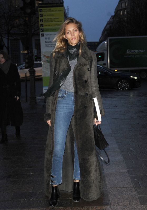 Anja Rubik - Arriving at H&M Fashion Show - Paris Fashion Week, March 2016