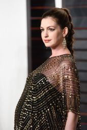 Anne Hathaway – 2016 Vanity Fair Oscar Party in Beverly Hills, CA