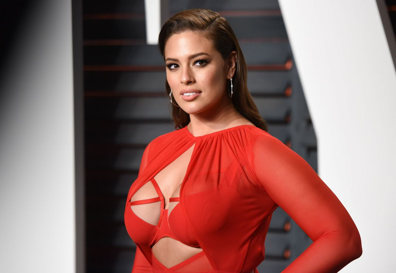 Ashley Graham: 2016 Vanity Fair Oscar Party In Beverly