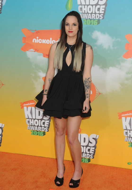 Ashley Mariee – 2016 Nickelodeon Kids' Choice Awards in Inglewood, CA
