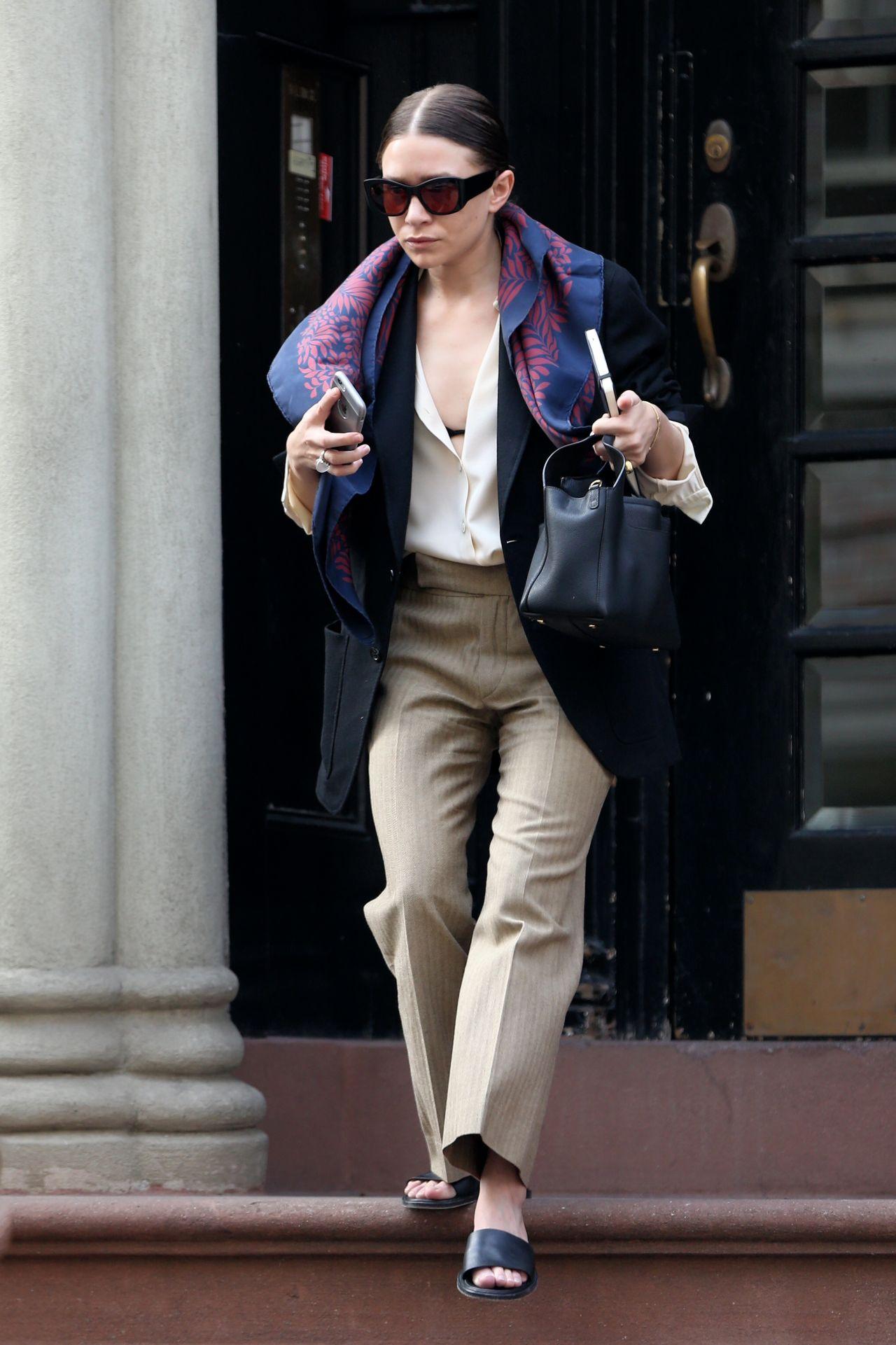 Ashley olsen street fashion new york city 3 10 2016 New york fashion street style 2016