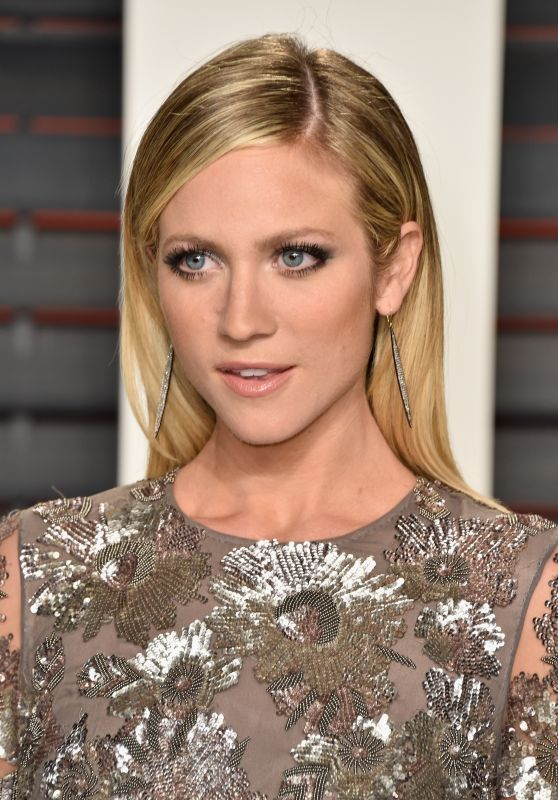Brittany Snow – 2016 Vanity Fair Oscar Party in Beverly Hills, CA
