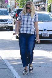 Busy Philipps - Grabs a Vegan Bite at Gracias Madre in West Hollywood 3/14/2016