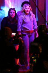 Chloë Moretz On Set of
