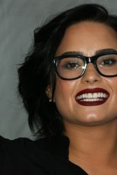 Demi Lovato - 2016 Dream Dinner, The Skirball Cultural Center in Los Angeles, 3/20/2016