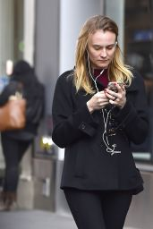 Diane Kruger Casual Style - Out in New York City 3/23/2016