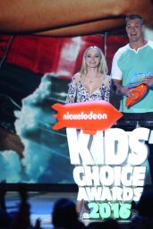 Dove Cameron – 2016 Kids' Choice Awards in Inglewood, CA