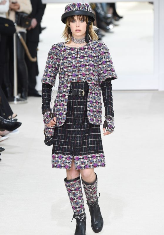 Edie Campbell – Chanel Fashion Show in Paris, March 2016