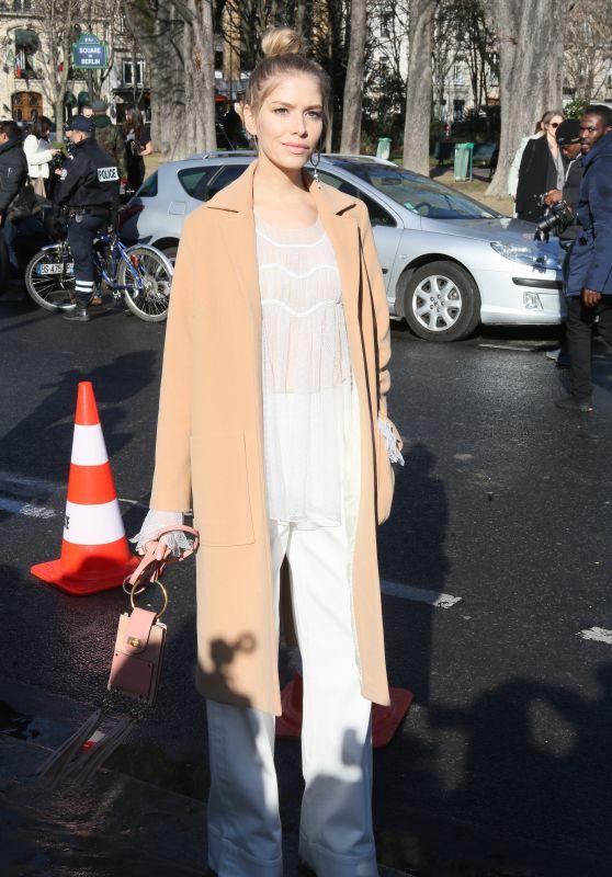Elena Perminova at Chloe Show – Paris Fashion Week Womenswear Fall/Winter 2016/2017