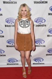 Eliza Taylor - The 100 Panel at WonderCon 2016 in Los Angeles
